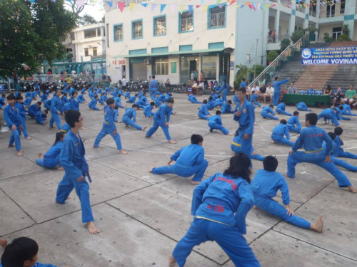 Vovinam Club from Belegny, Belgium visits Saigon to practice with young practitioners. Photo from Loa.