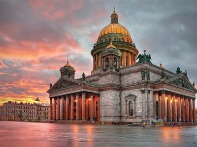 St. Petersburg Stands up for St. Isaac's Cathedral