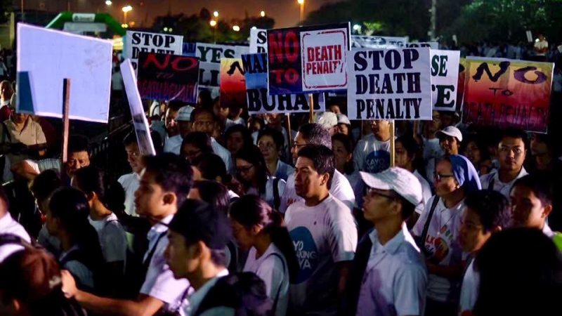death penalty in philippines President rodrigo duterte has made a case for the restoration of the death penalty in the philippines, saying the law had previously lost its effectiveness because it was not fully implemented duterte told reporters on monday that past presidents had succumbed to the pressure of the catholic church.