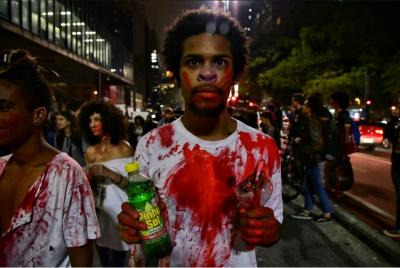 Démonstration à São Paulo pour la libération de Rafael Braga. Photo de Daniel Arroyo et Ponte Jornalismo, utilisé avec la permission.