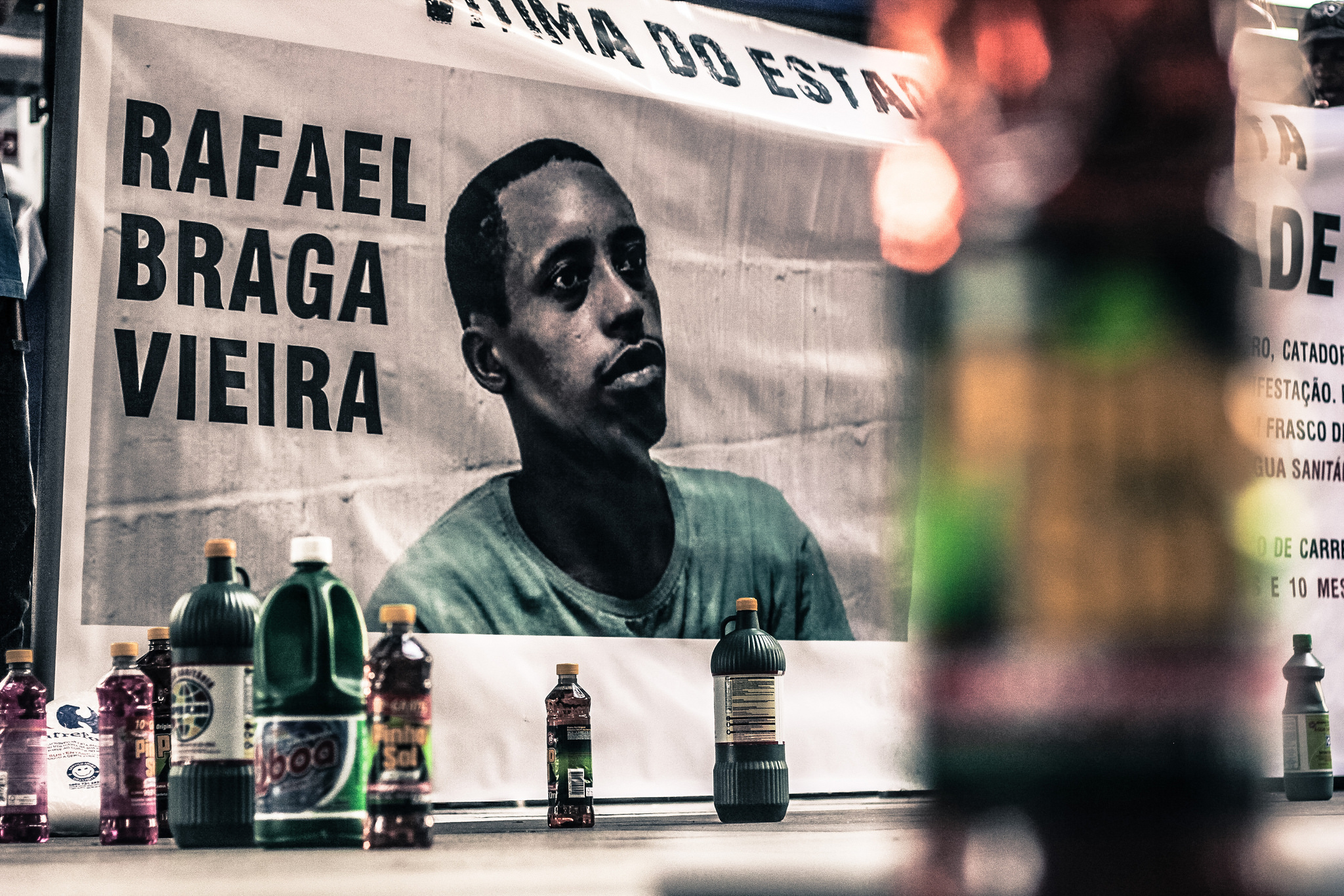 Une bannière lors d'une manifestation à l'appui de Rafael Braga Vieira en 2014. Photo: Mídia Ninja / Flickr, CC-BY-NC-SA 2.0