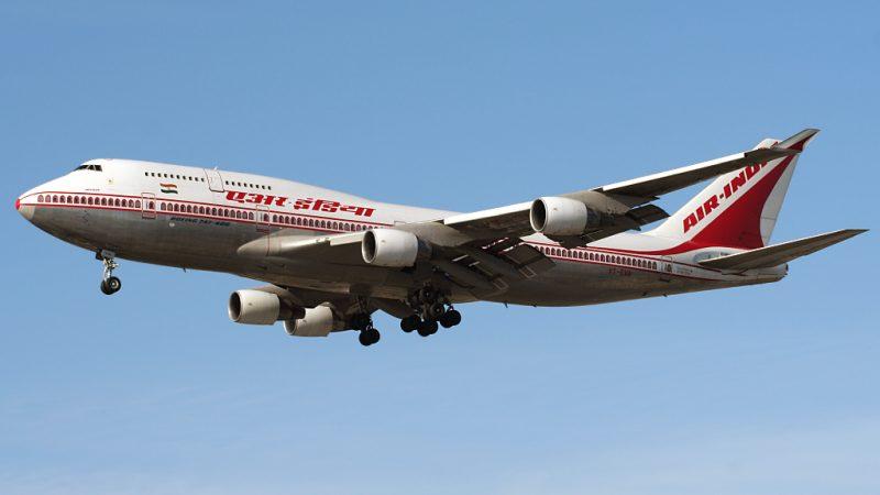 طائرة بوينغ 747-100 التابعة لطيران الهند، والصورة لأندرو كوهين من موقع فليكر