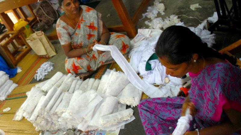 Resultado de imagem para india mulheres histerectomizadas