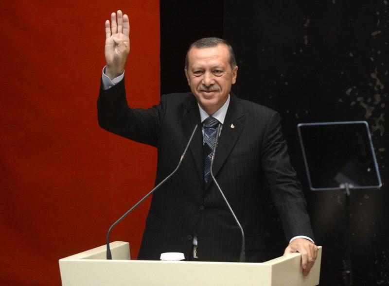 La Turchia post-rivoluzionaria di Erdogan travolge le scuole e minaccia le università
