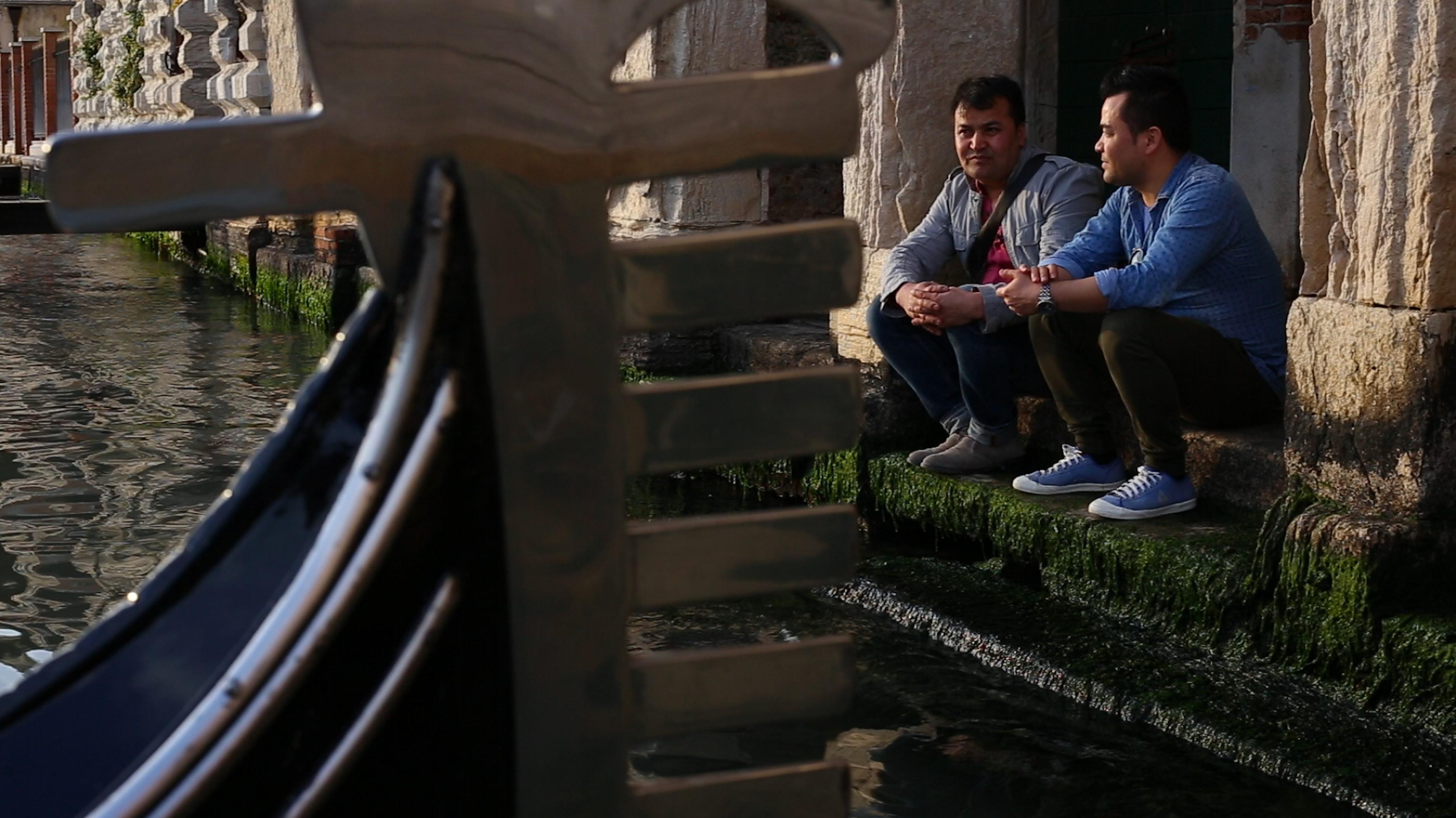 Ашраф Барати с другом и коллегой Ясином Танином. Фото: Basir Ahang. Используется с разрешения.