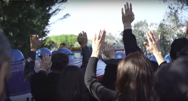 Uno screenshot di un video di protesta contro la Trans Adriatic Pipeline. Foto: Paolo Zuccotti / 350.org, usato con permesso.