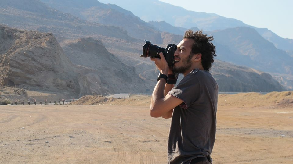 """Liberan a reportero gráfico Mahmoud Abu Zeid, """"Shawkan"""", tras más de cinco años en prisión"""