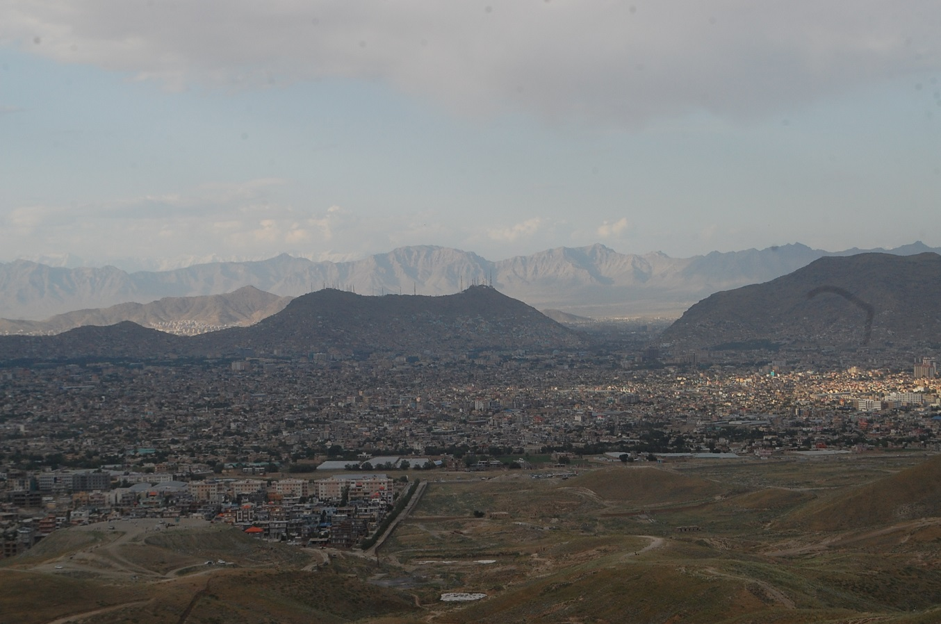 تفتقر العاصمة الأفغانية إلى المساحات الخضراء، صورة التقطها عزة الله ميهراد