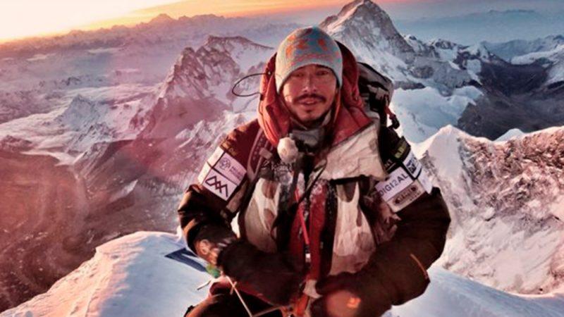 エベレスト山頂付近の混雑の様子を撮った登山家、8000メートル峰全ての ...