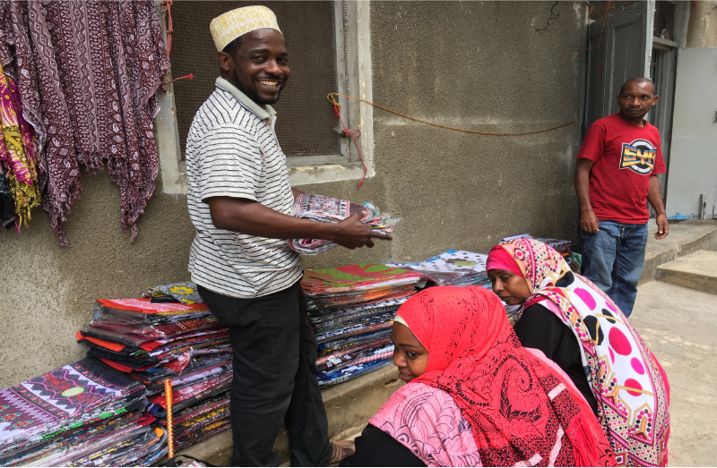 Street-side vendors of Zanzibar's iconic 'kanga' textiles forced to close up shop after 30 years