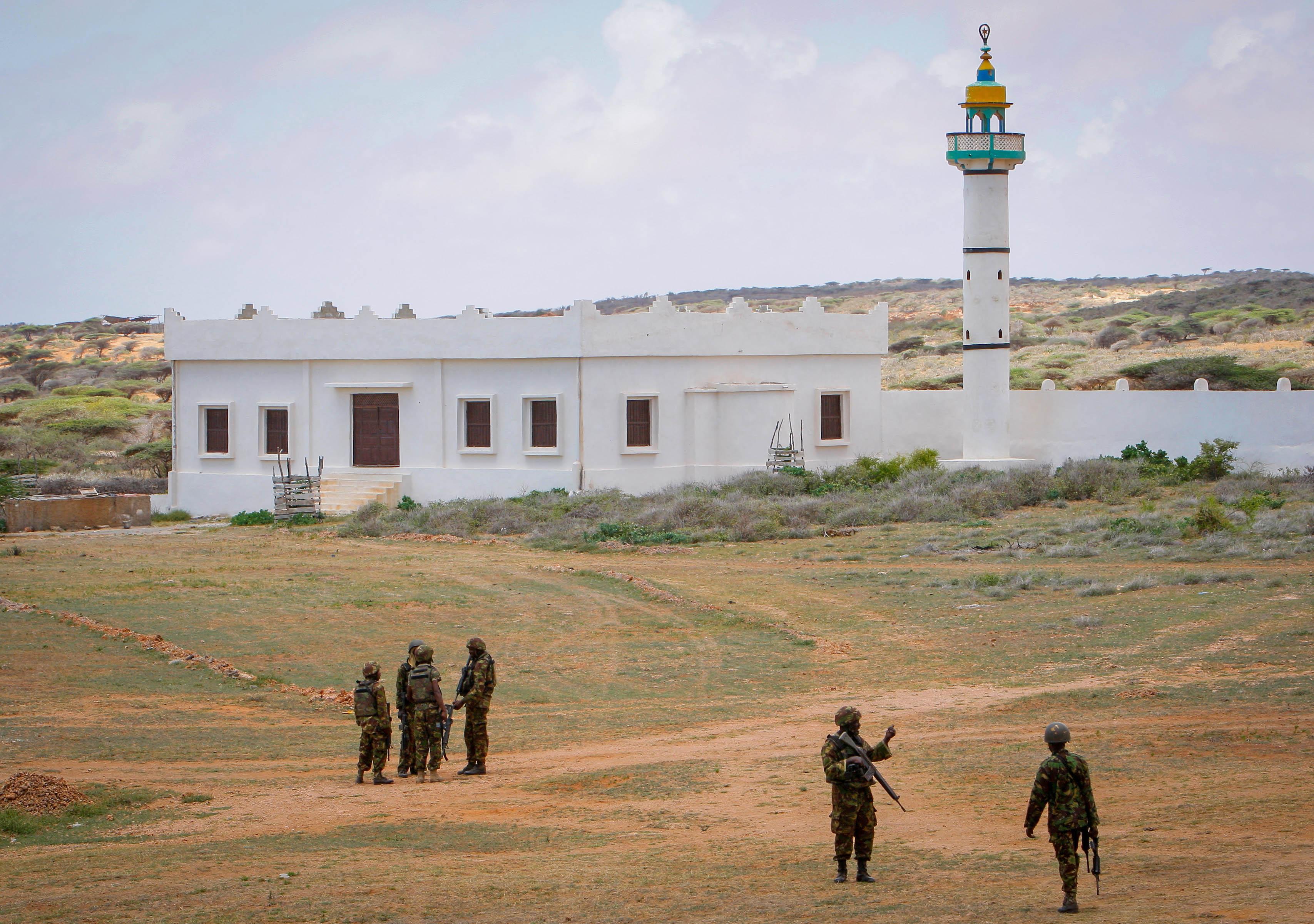 Mosquée de l'université de Kismayo vue en trois-quart face