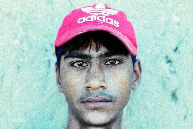 Portrait montrant le visage d'un jeune homme en gros plan