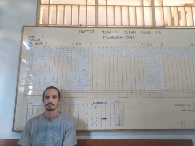 Mongabay editor Philip Jacobson arrested in Indonesia for alleged visa violation