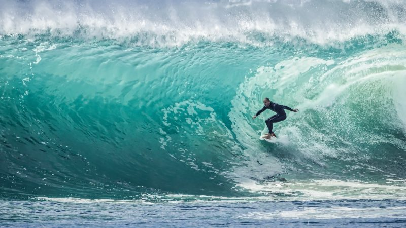 Can El Salvador's hosting of a surfing Olympic qualifier alter the country's violent image?