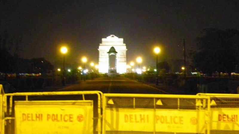 Delhi Police at India Gate. Image from Flickr by Veeresh Malik. CC BY-NC-SA 2.0