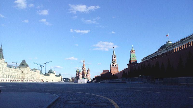 La Place rouge de Moscou désertée en raison du COVID-19.