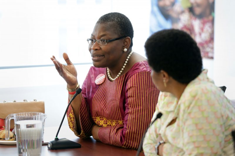 Le Dr Obi Ezekwesili, à l'origine du mouvement Bring Back Our Girls, prend la parole à une table ronde organisée par l'ONU.