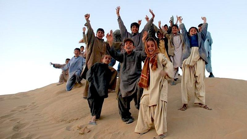 Kids in Baluchistan. Image via Flickr bu Beluchistan. CC BY-SA 2.0.