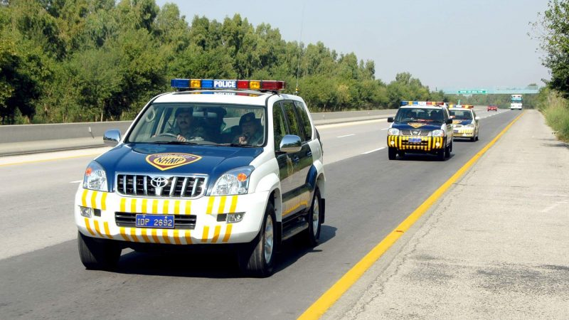 Motorway police patrolling in Pakistan. Image via Wikipedia by Akash0078. CC BY-SA 4.0.