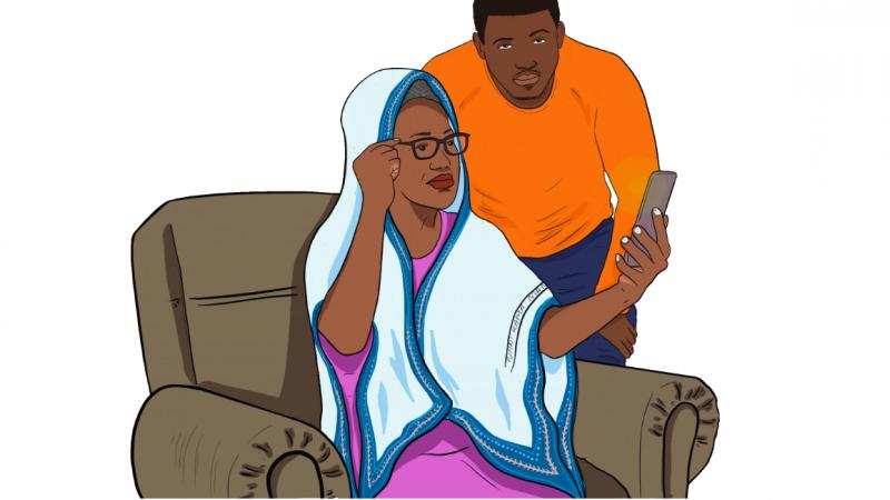 Dessin digital coloré. Une femme noire, portant une robe rose , un voile bleu et des lunettes de vue, est assise sur un fauteuil et regarde l'écran d'un téléphone portable tandis qu'un jeune homme debout, regarde le lecteur.