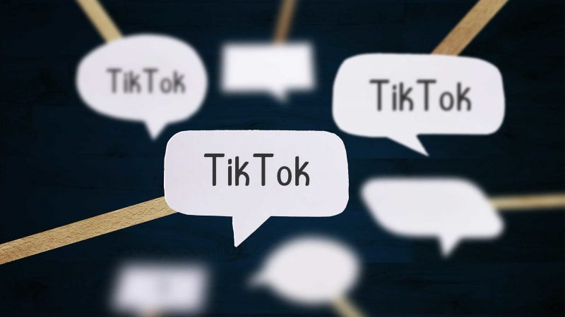 Tik Tok in Chat. Image via Flickr by Christoph Scholz. CC BY-SA 2.0.