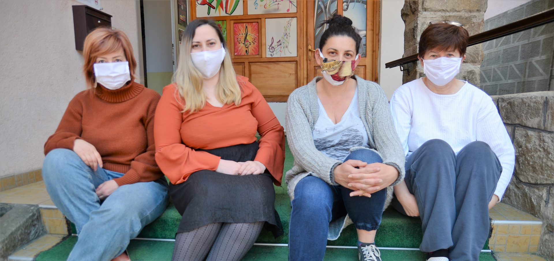 Women's cooperative in Srebrenica produces 'protective masks for everyone'