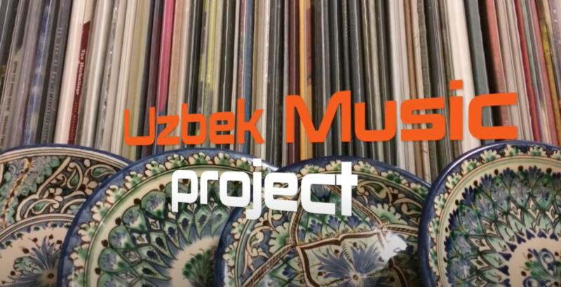 """Le titre """"Uzbek Music project"""" présenté devant un fond de rayonnage de disques vynil et d'assiettes en fayence ornée."""