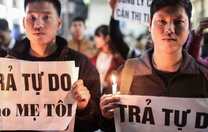 vietnam protest 705x450.