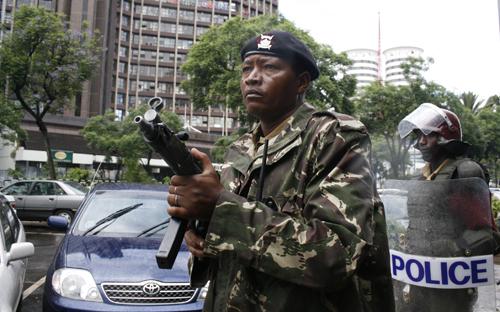 Kenya Police. Image by theglobalpanorama. (CC BY-SA 2.0 )
