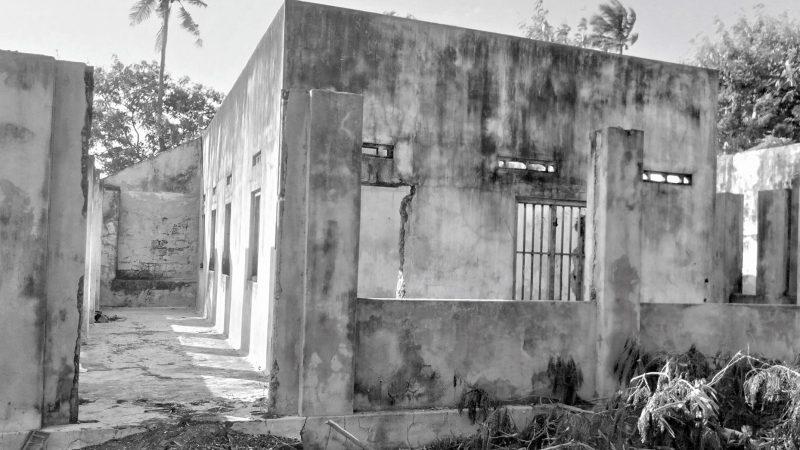 Il Convento della Sacra Famiglia è ora in rovina. Foto di Ruki Fernando via Groundviews, utilizzata in base a un accordo di condivisione dei contenuti.