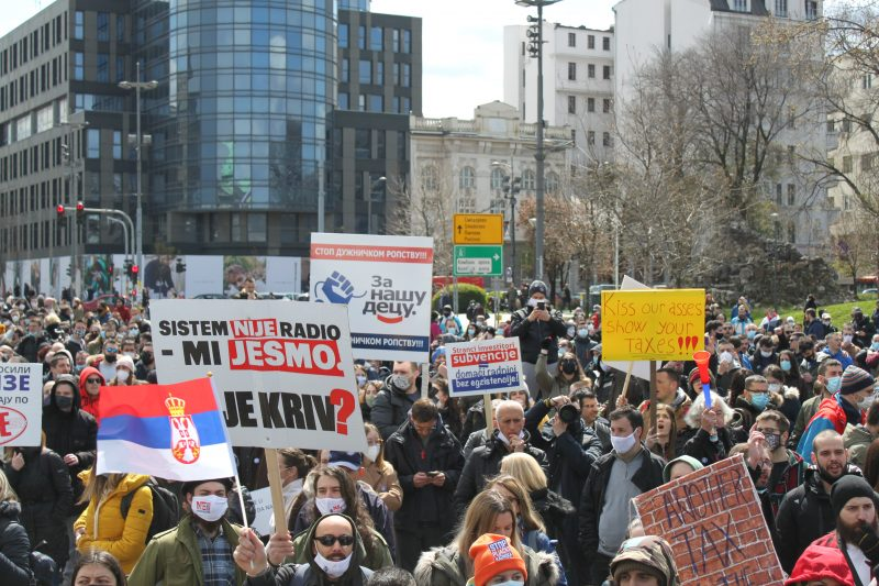 Serbian Freelancers Protest New Retroactive Tax That Threatens To Push Thousands Into Poverty 4