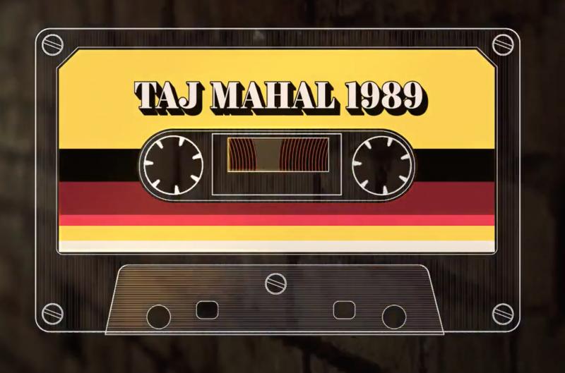 Illustration d'une cassette audio avec le nom de la série inscrit dessus