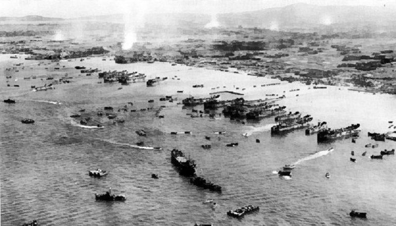 Supplying_and_developing_the_beachhead_Okinawa