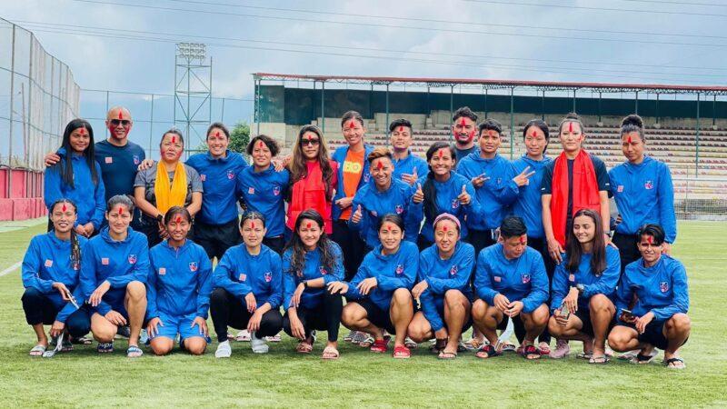 Srijana SIngh Thakuri with her senior national team members. Photo: via Nepali Times. Used with permission.
