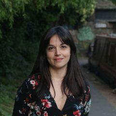 Um retrato de Ylenia Gostoli