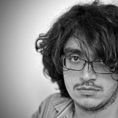 Un pequeño retrato de Arash Azizi