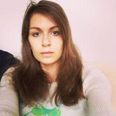 Portret Yulia Savitskaya