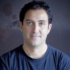 Um retrato de Omid Memarian