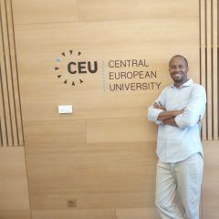 mini-profilo di Louis Gitinywa